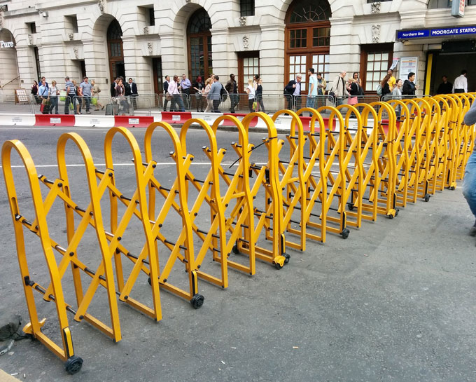 Contorl Safety Barrier -UK  Project-London Street.jpg